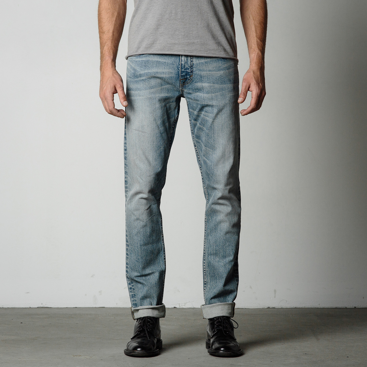 Mens Slim Jeans In Light Wash | DSTLD