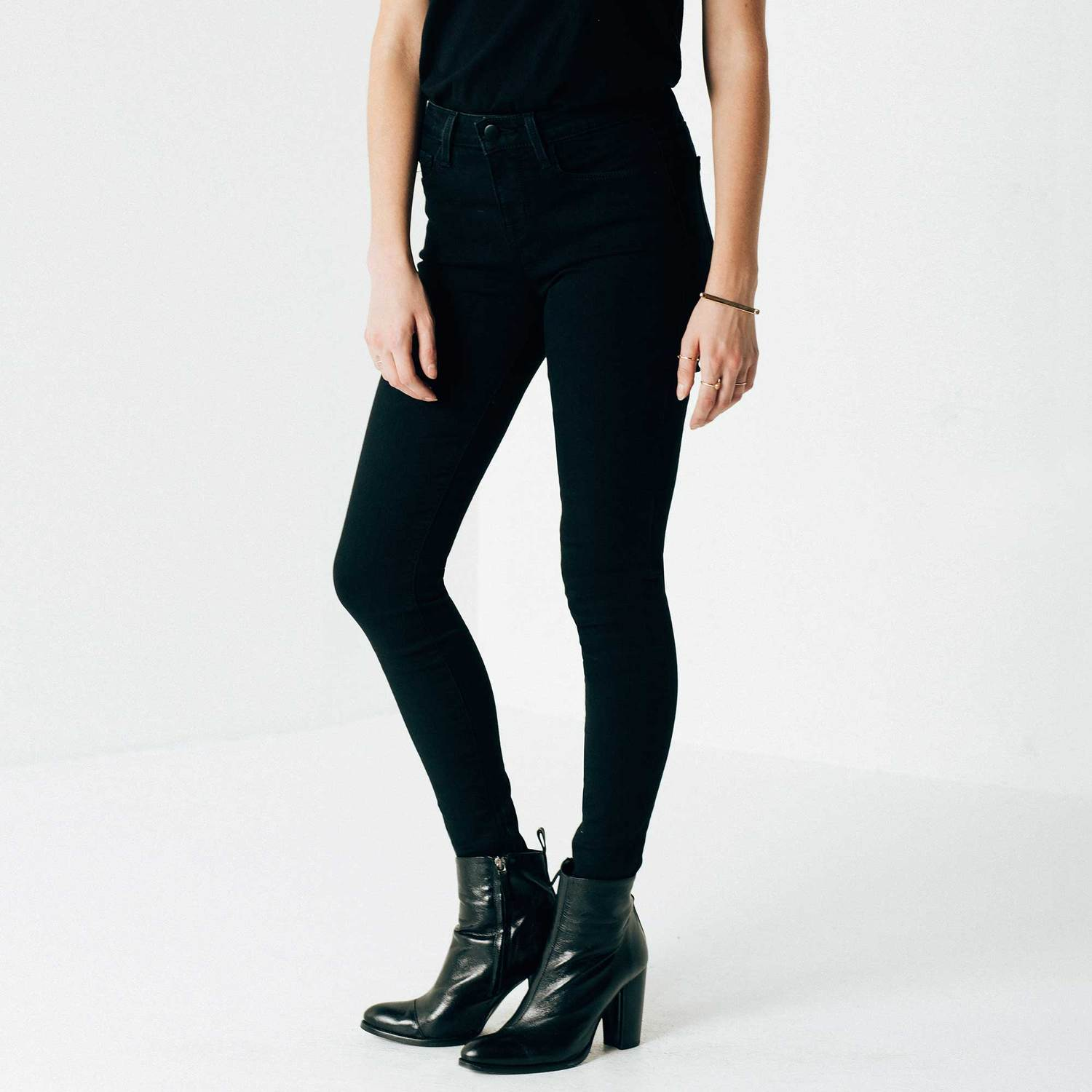 Womens High Waisted Skinny Jeans In Black Powerstretch | DSTLD