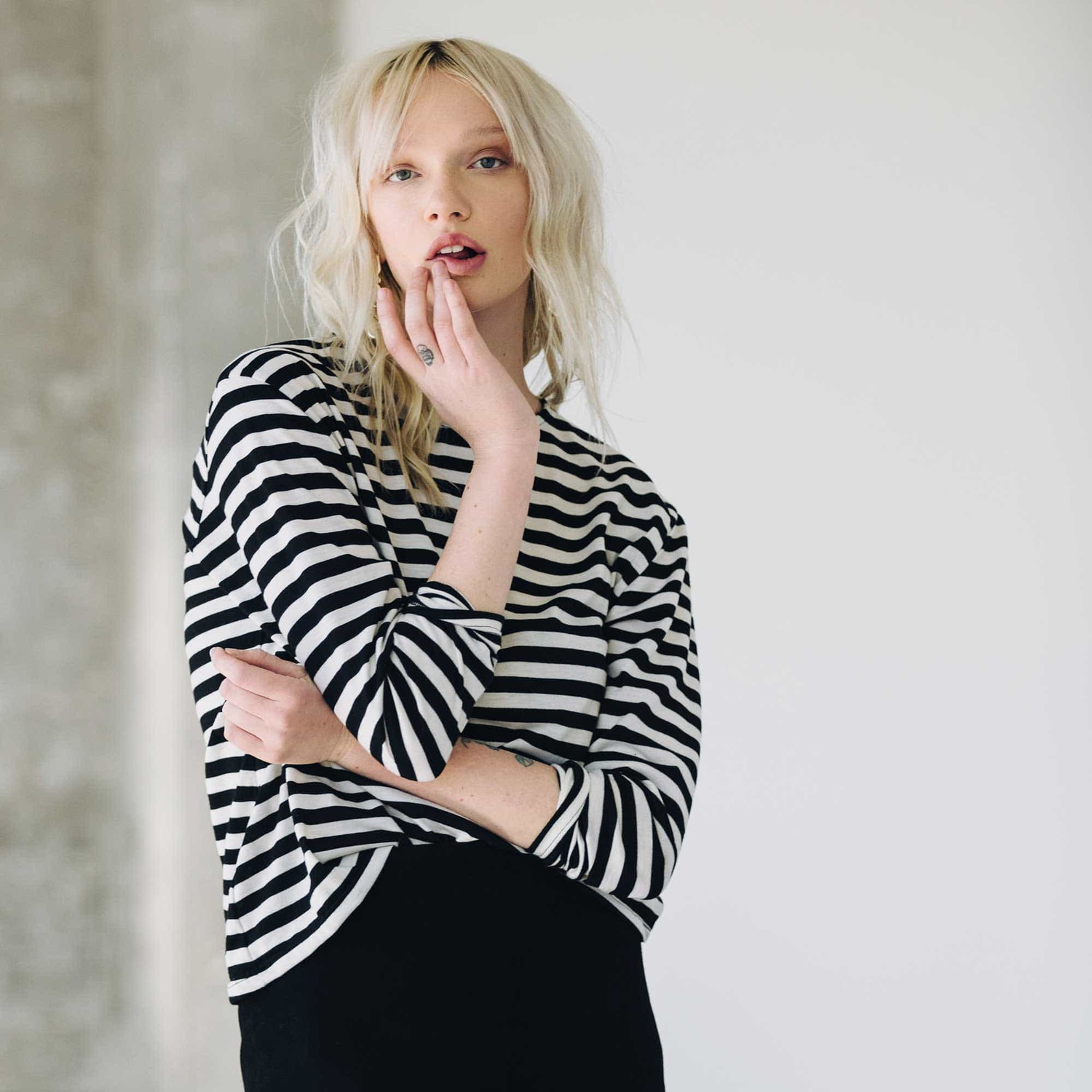 Womens Long Sleeve Boxy Tee In Black And White Stripes 34